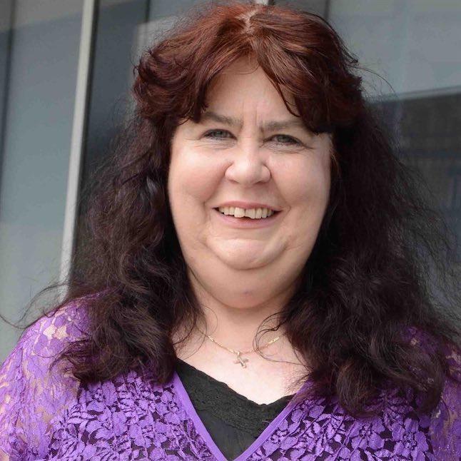 Mrs Deanne Hanchant-Nichols